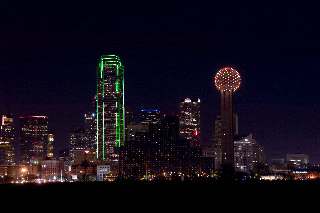 Cityscapes - Dallas TX Skyline  4 sec f/11
