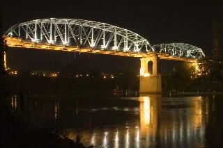 Bridges - Cumberland River Bridge Nashville TN   1.6 sec f/20